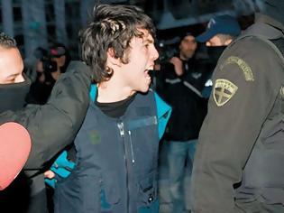Φωτογραφία για Αποφυλακίστηκε ο Νίκος Ρωμανός μετά από έξι χρόνια κράτησης