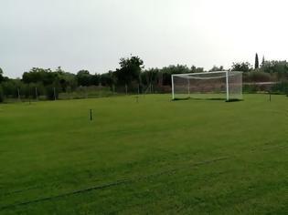 Φωτογραφία για Παλαίμαχος του Άρη Αιτωλικού μετέτρεψε χωράφι σε προπονητικό γήπεδο για την αγαπημένη του ομάδα (φωτο)