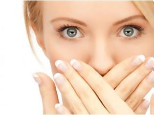 Φωτογραφία για Τι σοβαρό μπορεί να κρύβει η κακοσμία του στόματος; Φυσικοί τρόποι πρόληψης