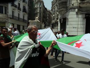 Φωτογραφία για Αλγερινός έπεσε πάνω σε οικογένεια με το αυτοκίνητό του - Νεκρή η μητέρα
