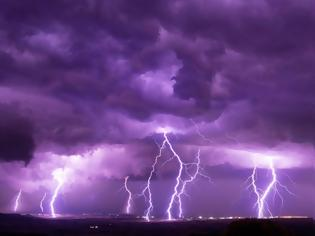 Φωτογραφία για «Κυνηγός καταιγίδων» για τη Χαλκιδική: Ήταν η πρώτη φορά που έτρεξα για τη ζωή μου