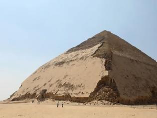 Φωτογραφία για Αίγυπτος: Άνοιξαν για το κοινό δύο νέες πυραμίδες