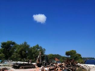 Φωτογραφία για Αποκλειστικές φωτό: Η καταστροφή στο ΚΑΑΥ Φώκαιας και η εντολή του ΥΕΘΑ Νίκου Παναγιωτόπουλου