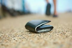 Άνδρας βρίσκει μέσα σε χαμένο πορτοφόλι, το πιο συγκινητικό γράμμα χωρισμού. Δεν είχε ιδέα όμως για αυτό που ακολούθησε..