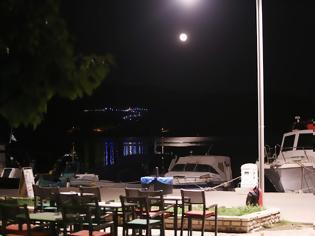 Φωτογραφία για ΕΙΚΟΝΕΣ ΑΣΤΑΚΟΣ: Έχει πανσέληνο απόψε κι είναι ωραία... [ΦΩΤΟ: Χρήστος Μπόνης]
