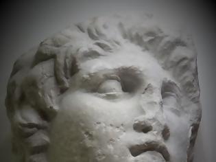 Φωτογραφία για Σημαντική ανακάλυψη πορτραίτου του Μ. Αλεξάνδρου που ήταν ...ξεχασμένο στις αποθήκες μουσείου της Βέροιας!