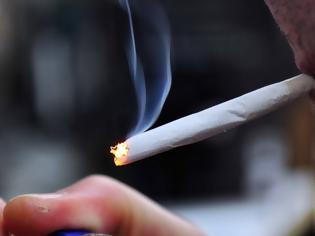 Φωτογραφία για Καταγγελίες για παραβάσεις του αντικαπνιστικού νόμου: Καπνίζουν ακόμα και στα νοσοκομεία!