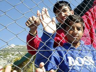 Φωτογραφία για Έσπασαν κάθε ρεκόρ οι μετανάστες και οι πρόσφυγες στα ελληνικά νησιά (pics)