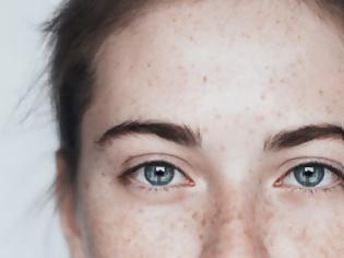 Φωτογραφία για «Χτένισα τα μαλλιά μου μετά από 4 εβδομάδες» -Η δυνατή φωτογραφία μιας γυναίκας με κατάθλιψη