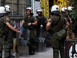 Φωτογραφία για Eπιχείρηση - σκούπα της ΕΛ.ΑΣ και συλλήψεις στα Εξάρχεια