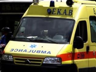 Φωτογραφία για Νεαρή γυναίκα έπεσε από μπαλκόνι και σκοτώθηκε