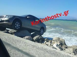 Φωτογραφία για Κόρινθος: Παρκάρισμα για… όσκαρ στην παραλία στο Λέχαιο (φωτο)