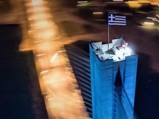 Φωτογραφία για 15 γαλανόλευκα χρόνια η σημαία ανεμίζει στους πυλώνες της Γέφυρας Ρίου – Αντιρρίου (video)