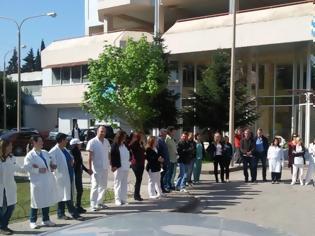 Φωτογραφία για ΠΟΕΔΗΝ: Καταγγέλλει νέα περιστατικά βίας σε δημόσια νοσοκομεία