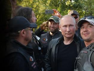 Φωτογραφία για Ο Πούτιν έβαλε δερμάτινα, καβάλησε μηχανή και γιόρτασε με τους «Λύκους της Νύχτας» στην Κριμαία