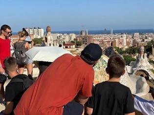 Φωτογραφία για Φωτος από τις διακοπές της οικογένειας Τσίπρα στη Βαρκελώνη