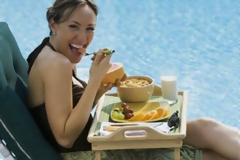 Πόση ώρα μετά το φαγητό μπορείτε να κολυμπήσετε;