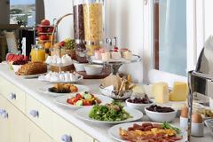 Τι επιλέγουμε για πρωινό από τον μπουφέ του ξενοδοχείου;