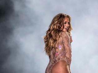 Φωτογραφία για Ένας Αιγύπτιος δικηγόρος μηνύει τη Τζένιφερ Λόπεζ για τη «γυμνή» της εμφάνιση σε συναυλία