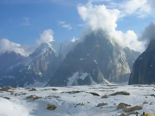 Φωτογραφία για Μικροπλαστικά βρέθηκαν για πρώτη φορά ακόμη και στα παρθένα χιόνια της Αρκτικής και των Άλπεων