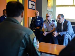 Φωτογραφία για Δεκαπενταύγουστος με τους πιλότους των Καναντέρ για τον ΥΕΘΑ Νίκο Παναγιωτόπουλο