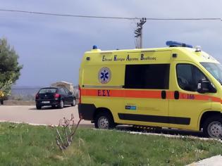 Φωτογραφία για Ανετράπη βανάκι με εννέα άτομα -Τρία παιδιά τραυματισμένα