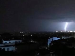 Φωτογραφία για Βίντεο με κεραυνούς σε Θεσσαλονίκη και Κιλκίς