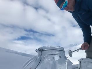 Φωτογραφία για Μικροπλαστικά βρέθηκαν ακόμη και στα παρθένα χιόνια της Αρκτικής και των Άλπεων