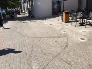Φωτογραφία για Άστοχη κακοτεχνία στην οδό Καρπάθου - φώτο