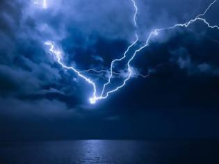 Φωτογραφία για 1400 κεραυνοί στο βόρειο Αιγαίο - Έντονη βροχόπτωση στη Λήμνο
