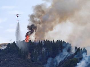 Φωτογραφία για Ισπανία: Πάνω από 4.000 άνθρωποι απομακρύνθηκαν από τη ζώνη της μεγάλης πυρκαγιάς