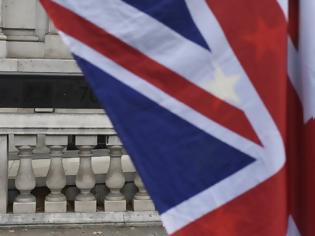 Φωτογραφία για Το Λονδίνο προειδοποιεί: Τέλος στην ελεύθερη κυκλοφορία πολιτών στη Βρετανία στις 31 Οκτωβρίου