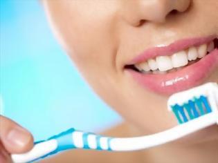 Φωτογραφία για 8 πράγματα που έκανες λάθος με το βούρτσισμα των δοντιών σου και δεν το ήξερες καν!