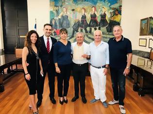Φωτογραφία για Ισραηλινοί φίλοι της Ρόδου επισκέφθηκαν το νησί εκατοντάδες φορές – Τιμήθηκαν από την Διεύθυνση Τουρισμού Δήμου Ρόδου