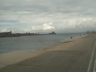 Φωτογραφία για «Έξυπνα» παγκάκια στα λιμάνια της Ρόδου