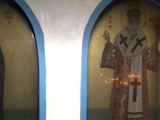Φωτογραφία για Ο «Πυρήνας Αναρχικών Μαγισσών» βανδάλισε παρεκκλήσι στα Σεπόλια