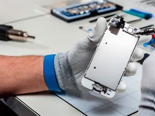 Φωτογραφία για Νέο πρόγραμμα επισκευής της Apple θα επιτρέψει σε ανεξάρτητα συνεργεία να δουλεύουν σε iPhones εκτός εγγύησης