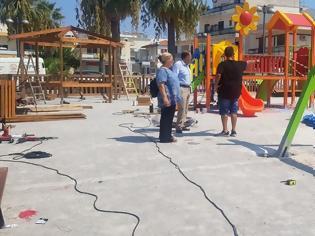 Φωτογραφία για Από την Πλατεία «Αποστολίδη» στην Ιαλυσό , ξεκίνησε η τοποθέτηση των τριάντα δύο (32) νέων πιστοποιημένων παιδικών χαρών στη Ρόδο