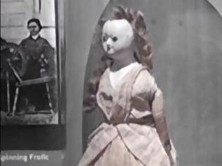 Φωτογραφία για Κάποιος έκλεψε μία κούκλα 200 ετών από μουσείο και την επέστρεψε 2 μέρες μετά, χωρίς σκαλπ (pics)