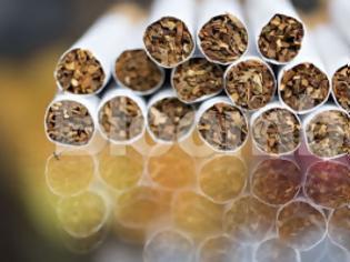Φωτογραφία για Πώς το λαθρεμπόριο τσιγάρων έκοψε τις συντάξεις στην Ελλάδα