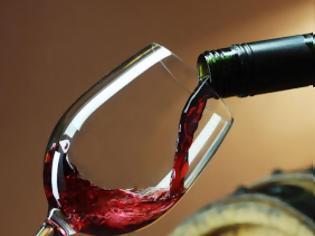 Φωτογραφία για Η μέτρια κατανάλωση κόκκινου κρασιού κάνει καλό στο έντερο