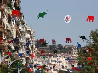 Φωτογραφία για Γέμισε χρωματιστά ελεφαντάκια ο ουρανός της Θεσσαλονίκης
