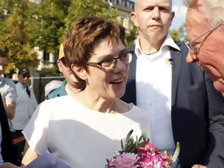 Φωτογραφία για Η Καρενμπάουερ προαναγγέλλει αλλαγές στους Χριστιανοδημοκράτες