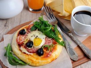 Φωτογραφία για Διαιτολόγος υποστηρίζει ότι η πίτσα είναι πιο υγιεινή από τα δημητριακά για πρωινό!