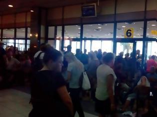 Φωτογραφία για Απαράδεκτες συνθήκες έχουν δημιουργηθεί στο αεροδρόμιο Ρόδου από την «Fraport»