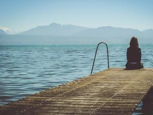 Φωτογραφία για Πέντε συμπεριφορές που καμουφλάρουν την κατάθλιψη