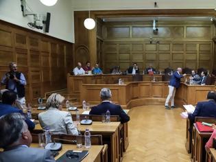 Φωτογραφία για Πληγέντες από το Μάτι στη Βουλή: Σε ένα χρόνο εκδόθηκαν μόλις τρεις συντάξεις χηρείας!