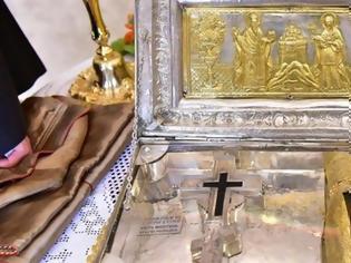 Φωτογραφία για 11495 - Το Τίμιο Ξύλο και το Άφθαρτο Χέρι της Αγίας Μαρίας της Μαγδαληνής, από την Ι.Μ. Σίμωνος Πέτρας Αγίου Όρους, στον Ι.Ν. Αγίου Νικολάου Αντιρρίου