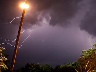 Φωτογραφία για Ερχονται βροχές και καταιγίδες από το απόγευμα - Ποιες περιοχές θα επηρεαστούν