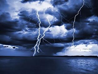 Φωτογραφία για Αλλάζει ο καιρός: Άνεμοι έως 7 μποφόρ και καταιγίδες την Τετάρτη
